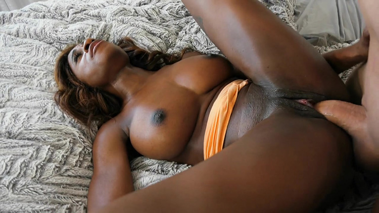 Ebony Stepdaughter Lets Stepdad Taste Her Pussy